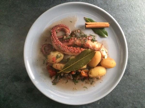 Recette de poulpe au laurier et pommes de terre