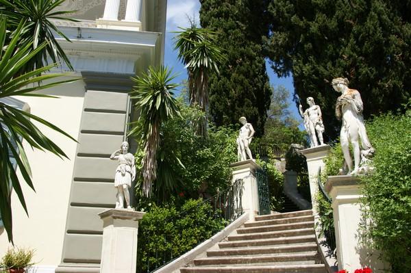 L'escalier des Dieux, Achilleon, Corfou